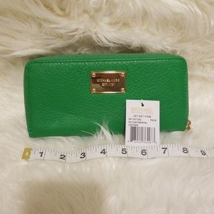 Michael Kors ZA Continental Leather Wallet